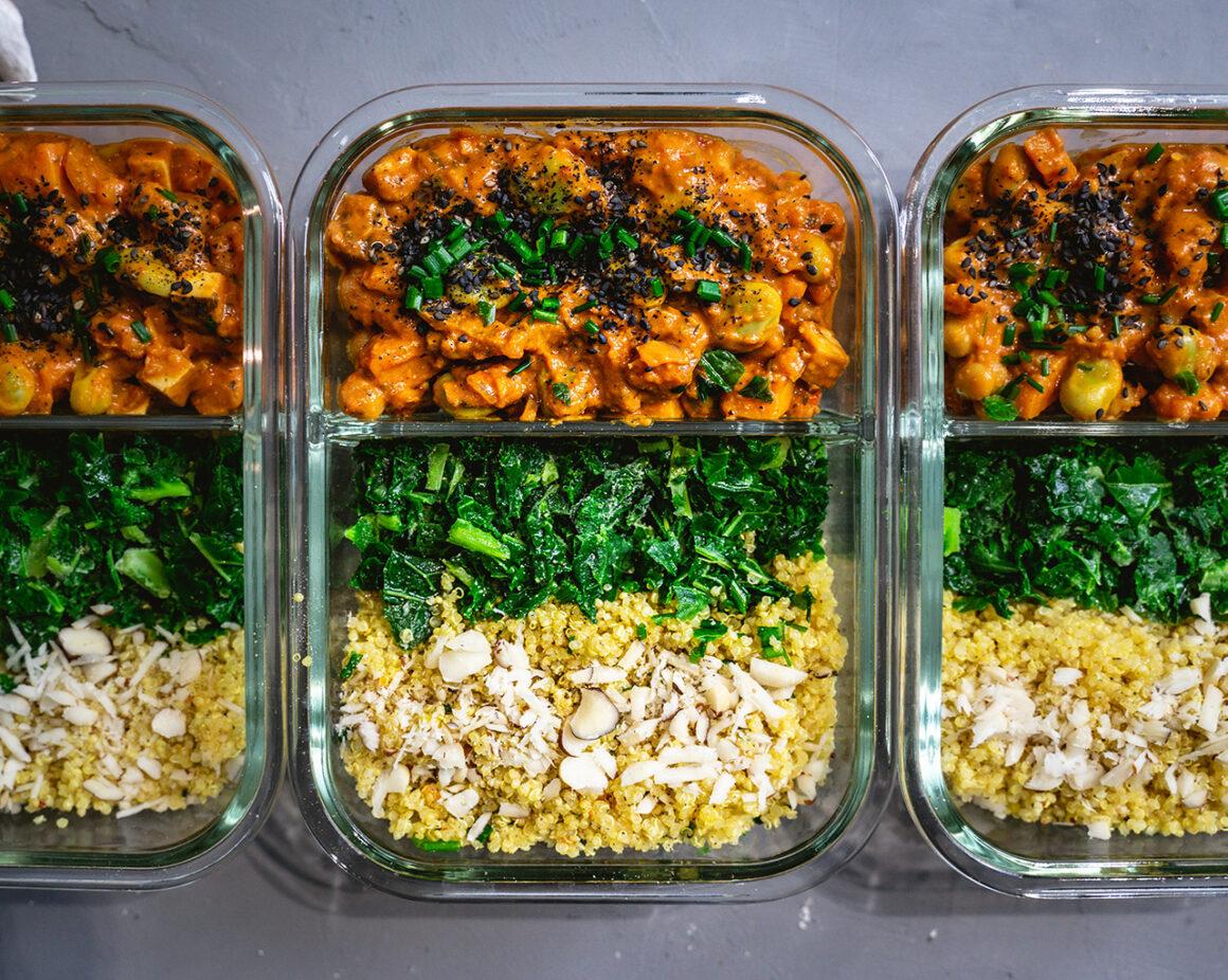 Veganes Süßkartoffel-Erdnuss-Curry